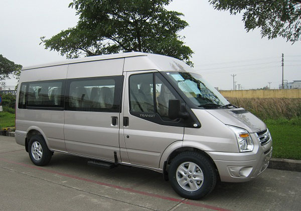 Ford Transit Luxury (Bản cao cấp)4