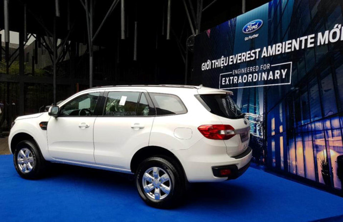 Ford Everest Ambiente 2.2L 4×2 MT7