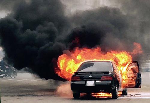 5 nguyên nhân gây cháy xe bạn có thể không biết